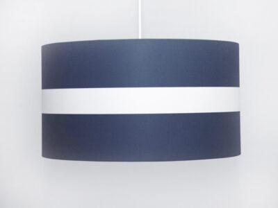 Blau mit mittigem Streifen
